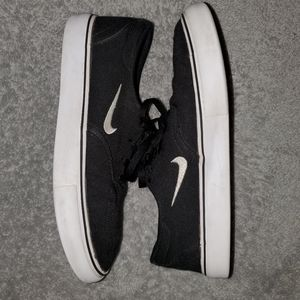 Nike 4.5y kids shoes
